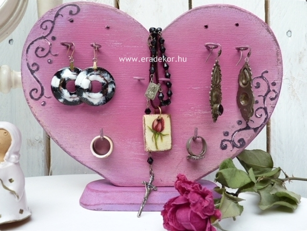 pink_sziv_ekszertarto1