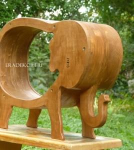 Óriás elefántpersely