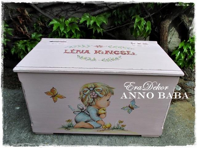 Babalátogatóba rózsaszín ANNO játéktároló láda Lénának
